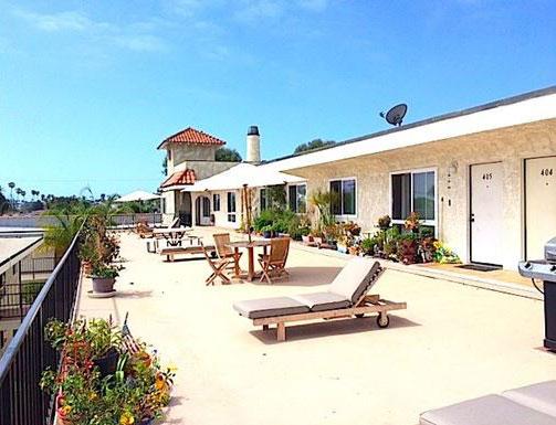 Sun Deck at La Corona Del Mar Apartments